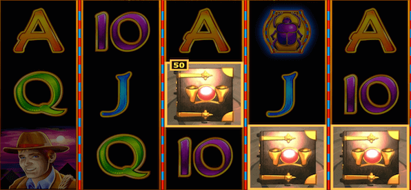 Spieloberfläche Book of Ra mit Freispielen